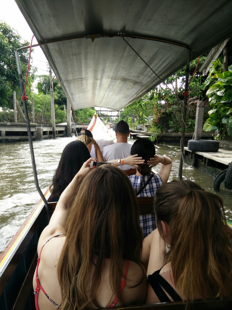 Back to Bangkok and many new friends (5/6)