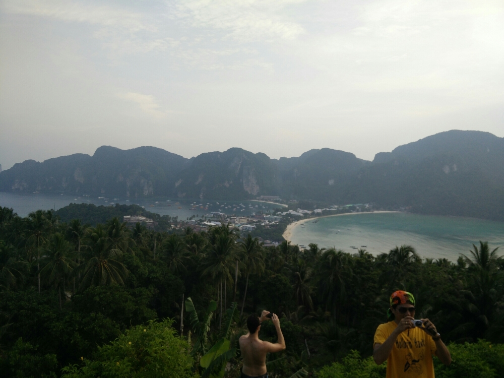 Tattoos,  snorkeling, full moons and moped adventures -  Koh Phi Phi and Koh Phangan (5/6)